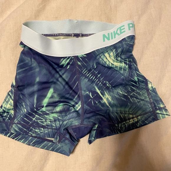 XS Nike spandex shorts